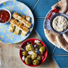 Fire-Starters - Spicy Mixed Olives, Halloumi Sticks and Dip, Houmous and PERi-PERi Drizzle